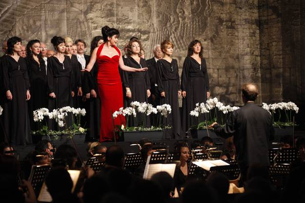 Ab 2012 wurde nur noch in der Reithalle gesungen und musiziert. Hier die grosse Soloistengala mit Noemi Nadelmann