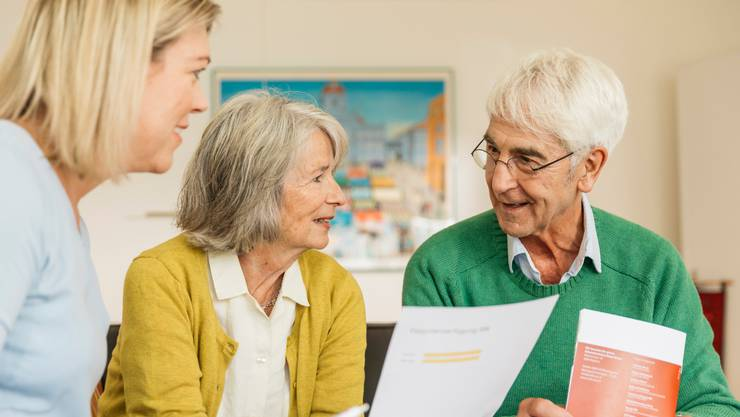 Wie und ob das Leben medizinisch verlängert wird, lässt sich in einer Patientenverfügung regeln. Der Vorsorgeauftrag regelt Betreuung und Vertretung. (Symbolbild)