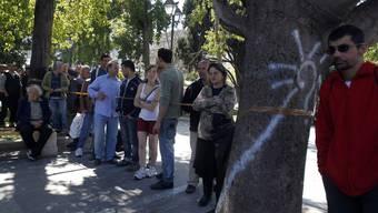 Die Schlangen vor den Suppenküchen werden in Griechenland immer länger (Archiv)
