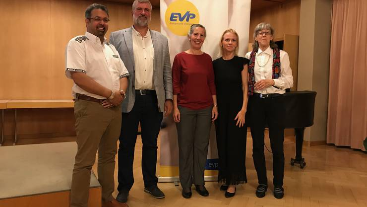 Nachhaltigkeit ist seit 100 Jahren ein wichtiger Pfeiler in der Politik der EVP . Nationalrat Nik Gugger ZH und die NR Kandidaten AG erläuterten aktuelle Themen und deren zielorientierte Umsetzung.