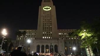 """Eine ganz besondere Gedenkfeier zu Ehren des verstorbenen """"Batman""""-Darstellers Adam West."""