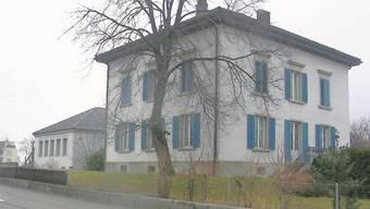 Die Gemeinde Würenlos hat das Pfarrhaus gemietet.