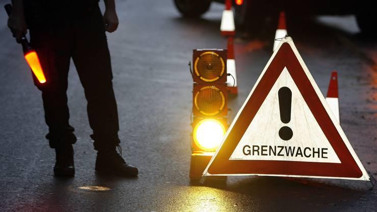 Grenzwächter stoppen Auto-Dieba