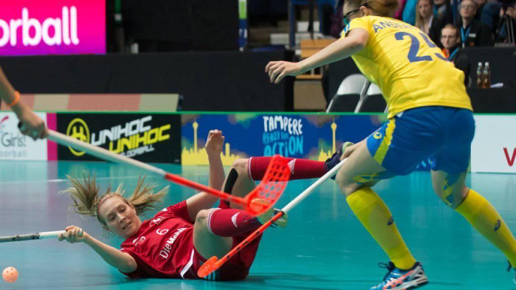 Am Boden: Schweden erweist sich für Michelle Wiki und die Schweizer Unihockey-Frauen einmal mehr als zu grosser Gegner