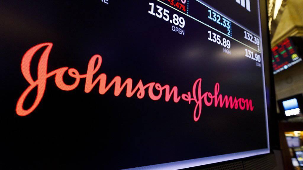 Ein US-Gericht hat den Pharmakonzern Johnson&Johnson wegen der unrechtmässigen Vermarktung von suchtgefährdenden Opiat-Schmerzmitteln zu einer hohen Geldstrafe verurteilt. (Foto: Justin Lane/Keystone Archiv)