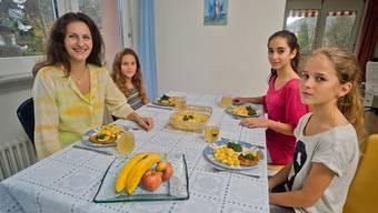 Nancy Holten ist Mutter dreier Kinder und ernährt sie vegetarisch oder vegan.