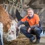 Marathonläufer Patrik Wägeli auf dem Bauernhof in Nussbaumen im Kanton Thurgau, wo er zu 40 Prozent arbeitet.