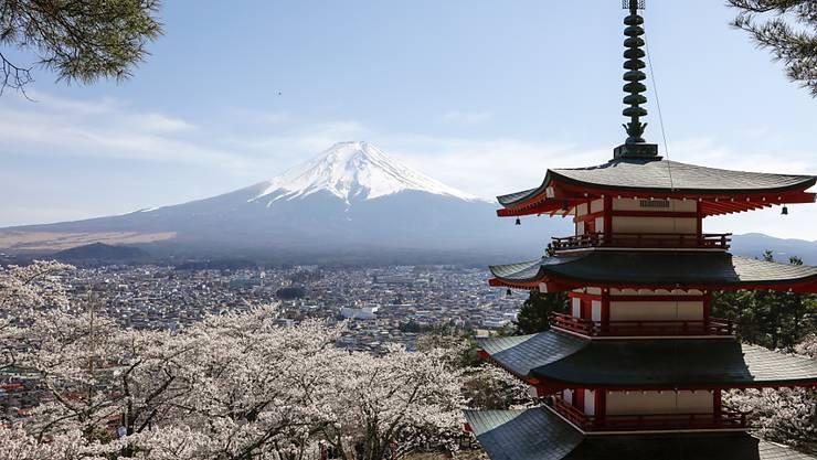Japan will mit einem weiteren Konjunkturprogramm, die von der Coronavirus-Pandemie gebeutelte Volkswirtschaft unterstützen. (Symbolbild)