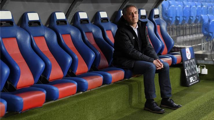 Ein einsamer Marcel Koller. Tristesse beim FC Basel.