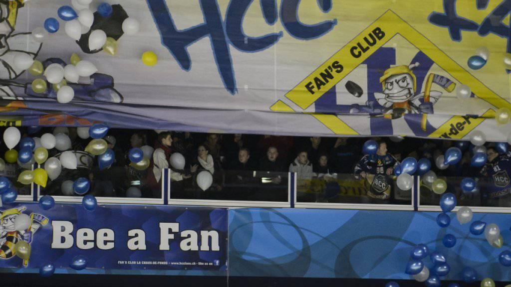 Die Fans von La Chaux-de-Fonds in Feierlaune - erstmals seit drei Jahren wieder NLB-Leader