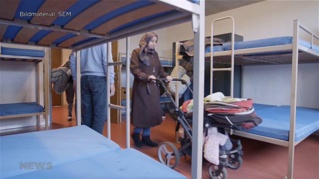 Wegen Coronakrise: Asylsuchende müssen nicht in Rückkehrzentren