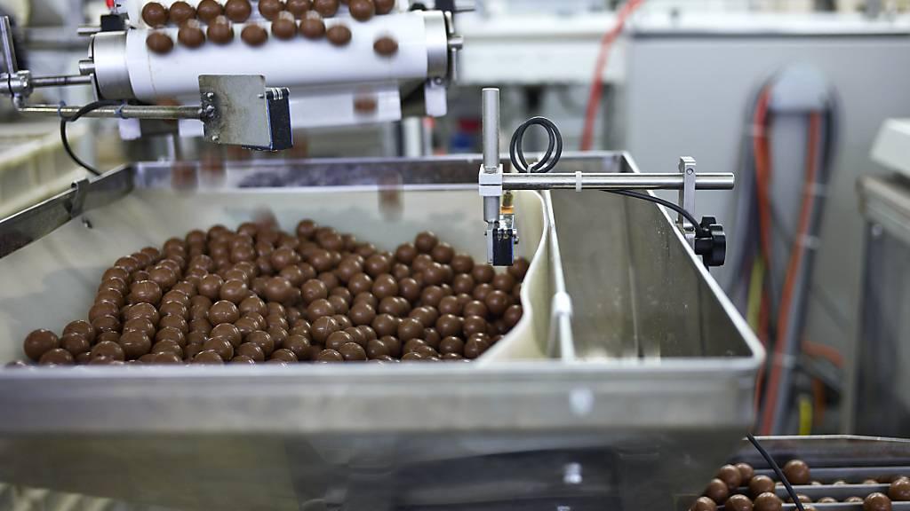 Lindt&Sprüngli baut seine Produktionsstätte in Olten weiter aus. Dort wird die gesamte Kakaomasse für sämtliche Produktionsstätten des Kilchberger Unternehmens in Europa hergestellt. (Archivbild)