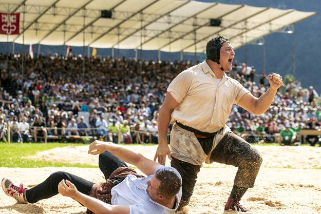 Nick Alpiger gewinnt den Schlussgang gegen Christian Schuler.