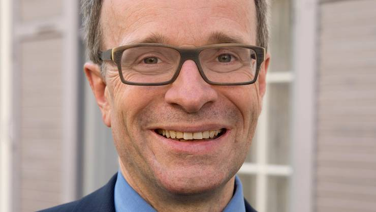 Marc Schinzel ist FDP-Landrat, Kirchenpfleger – und gegen die SP-Vorlage, die nun von den Kirchen unterstützt wird.