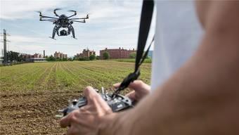 In den falschen Händen kann auch eine leichte zivile Drohne zur Gefahr werden.