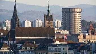 Stadt Basel mit der Elisabethen-Kirche und der Martinskirche