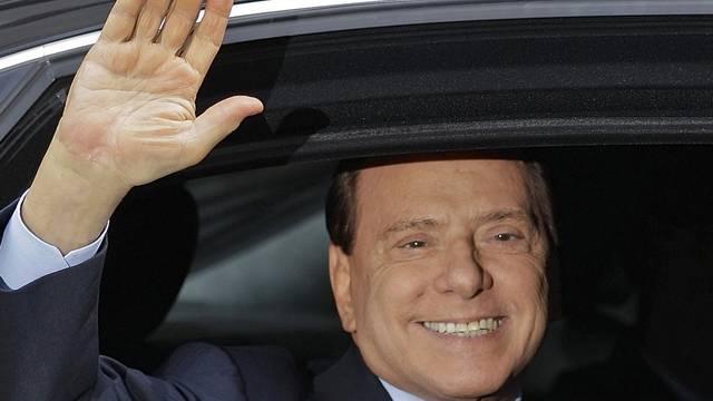 Ex-Ministerpräsident Berlusconi will nun doch nicht kandidieren (Archiv)