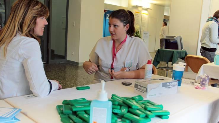 Im Spital Limmattal erhielten die Jugendlichen einen Einblick in die Berufe im Gesundheitswesen.
