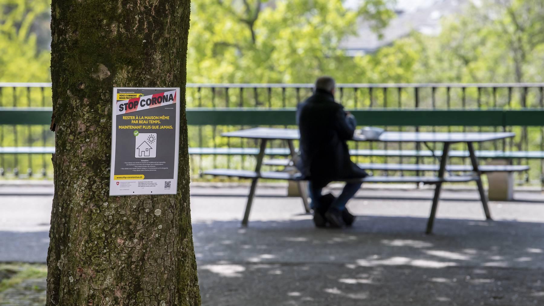Genf kehrt zurück zur Fünf-Personen-Regel. Öffentliche sowie private Ansammlungen von mehr als fünf Personen sind verboten. (Symbolbild)