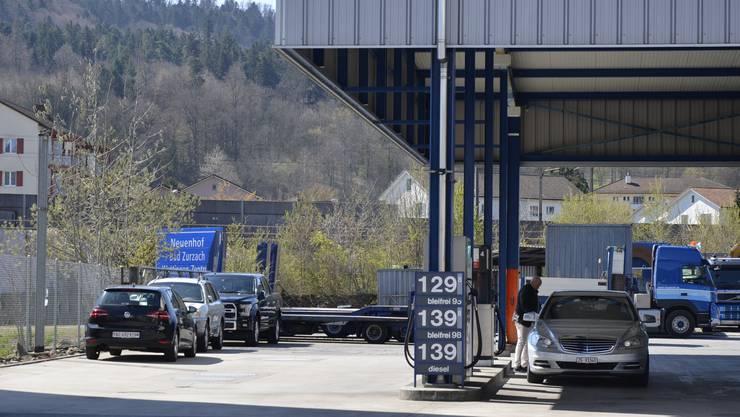 Benzin und Dieselöl werden künftig höher besteuert.