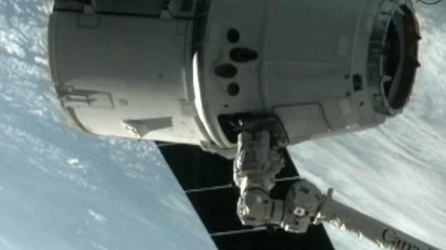 """Das private Raumschiff """"Dragon"""" hat sein Ziel, die Raumstation ISS, erreicht"""