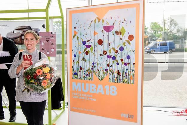 Plakatvernissage und Preisverleihung muba-Plakat 2018, Campus der Künste, Dreispitz: Die Siegerin Meret Buser mit ihrem Plakat