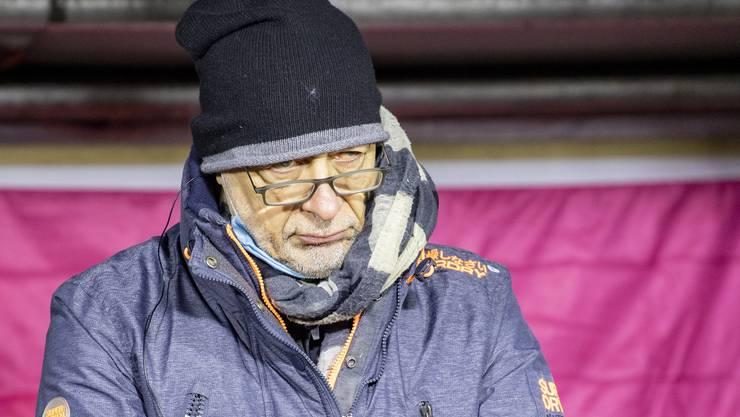 Der Hausarzt Gianmarco Sala aus Altdorf bei seiner Rede anlässlich einer Kundgebung des Aktionsbündnis Urkantone für eine vernünftige Corona-Politik auf dem Hauptplatz in Schwyz vom Samstag, 9. Januar 2021.