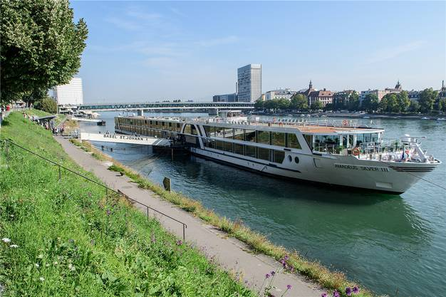 Auch Schiffstouristen hat Basel. Auch wenn sie kaum lange hier bleiben werden.