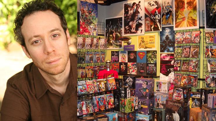 Kevin Sussman spielt den Comoc Shop Verkäufer «Stuart» in «The Big Bang Theory». Rechts sein Comicbuchladen aus der Serie.