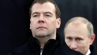 Putins Ziehson Medwedew war beim russischen Volk unbeliebt.
