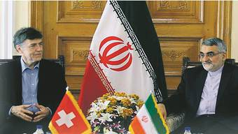 MIt dieser Schlagzeile berichtete der iranische Auslandsfernsehsender über das Treffen zwischen SVP-Nationalrat Luzi Stamm und einem iranischen Abgeordneten.