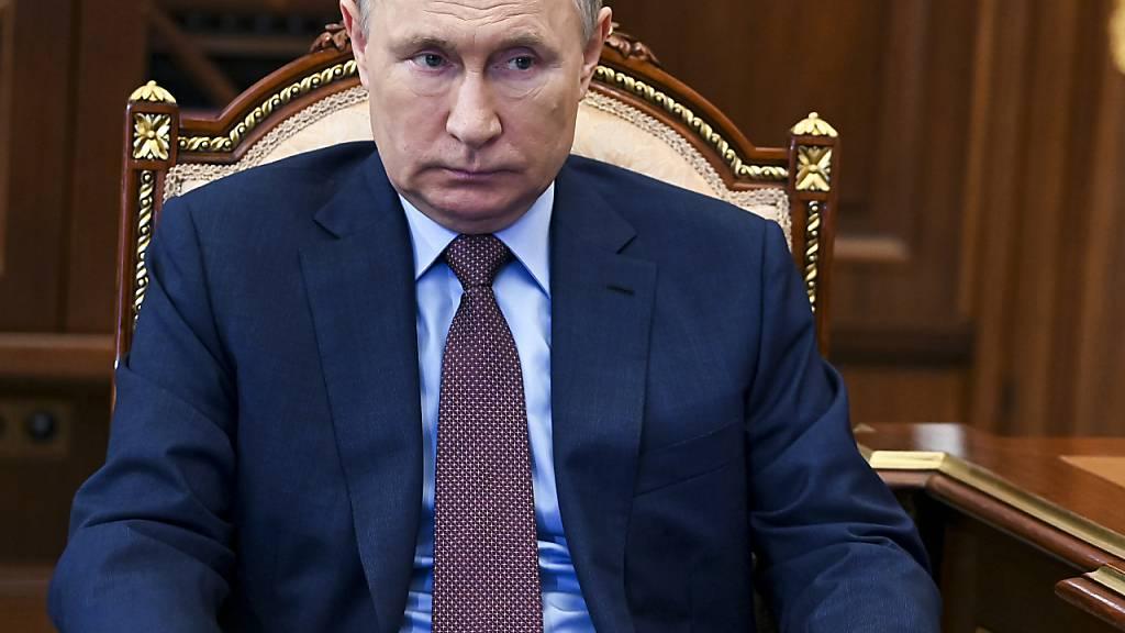 Hohe Corona-Zahlen: Putin ordnet arbeitsfreie Tage in Russland an