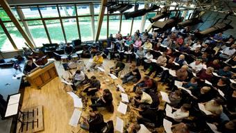 Der Kirchdorfer Chor «Coro Sonoro», der Kammerchor Baden und das Lucerne Jazz Orchestra proben in den Westschöpfen auf dem Klosterareal in Wettingen für ihre Auftritte im Trafo Baden. Maria Schmid