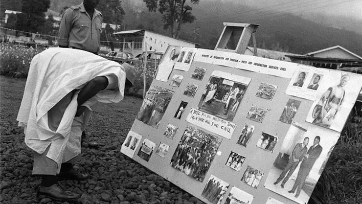 Afrikanische Szenen: Wahlwerbung für Kameruns Einheitspartei in der Provinzstadt Buea, März 1970.