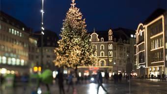 Die Stadt Basel hat auch in der Weihnachtszeit viel zu bieten. Jetzt müssen die Einwohner nur noch gastfreundlicher werden. KEYSTONE/Georgios Kefalas