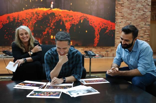 Das «Coco»-Team (von links nach rechts): Produzentin Darla K. Anderson, Regisseur Lee Unkrich und Drehbuchautor Adrian Molina.