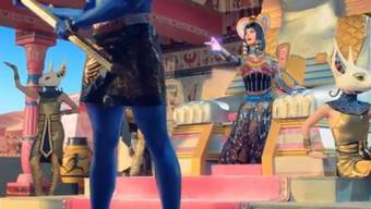 "Katy Perry im neuen Videoclip zu ""Dark Horse"" (Screenshot)"