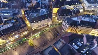 Marktplatz mit Hotel