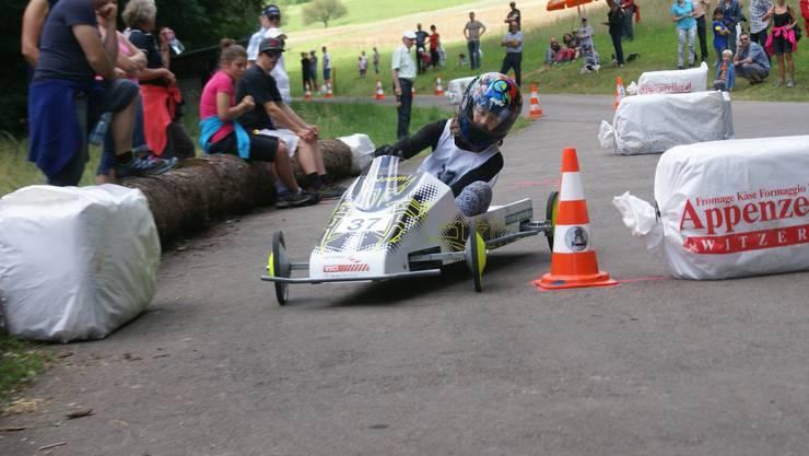 In Freienwil findet zum ersten Mal ein nationales Seifenkistenrennen statt.