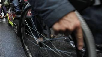 Ein Rollstuhlrad (Symbolbild)