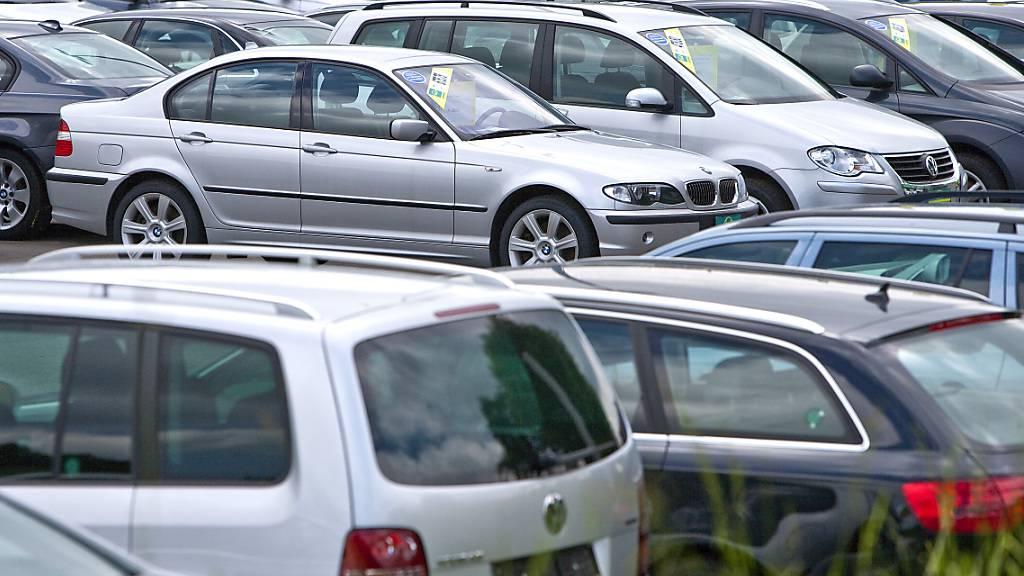 Ob ein Occasionsauto unfallfrei ist, ist für den Käufer nicht so leicht zu erkennen. Dies soll sich ein Luzerner Autohändler zunutze gemacht haben. (Symbolbild)