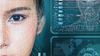 Algorithmen nutzen auch die Mundpartie, um ein Gesicht zu identifizieren.