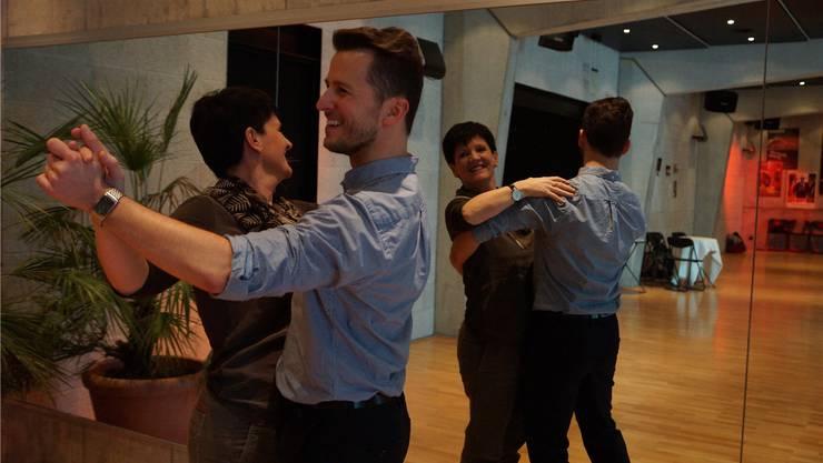 Im «Badener Tanzcentrum» können Interessierte von Standardtänzen bis zu Salsa alles lernen. Ursula Burgherr