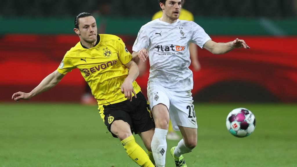 Musste aus dem Nationalmannschafts-Camp der deutschen Nationalmannschaft abreisen: Jonas Hofmann von Borussia Mönchengladbach (re.)
