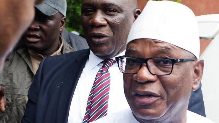 ARCHIV - Ibrahim Boubacar Keita, Präsident von Mali, kommt zu einem Wahlbüro, um seine Stimme bei der zweiten Wahlrunde der Präsidenschaftswahlen abzugeben. Foto: Annie Risemberg/AP/dpa