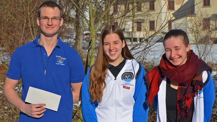 Starke Leistung des Aargauer Juniorenteams mit dem Gewehr im Sog der Leaderin: (von links) Ivan Füglister, Selina Koch und Vanssa Zürcher.