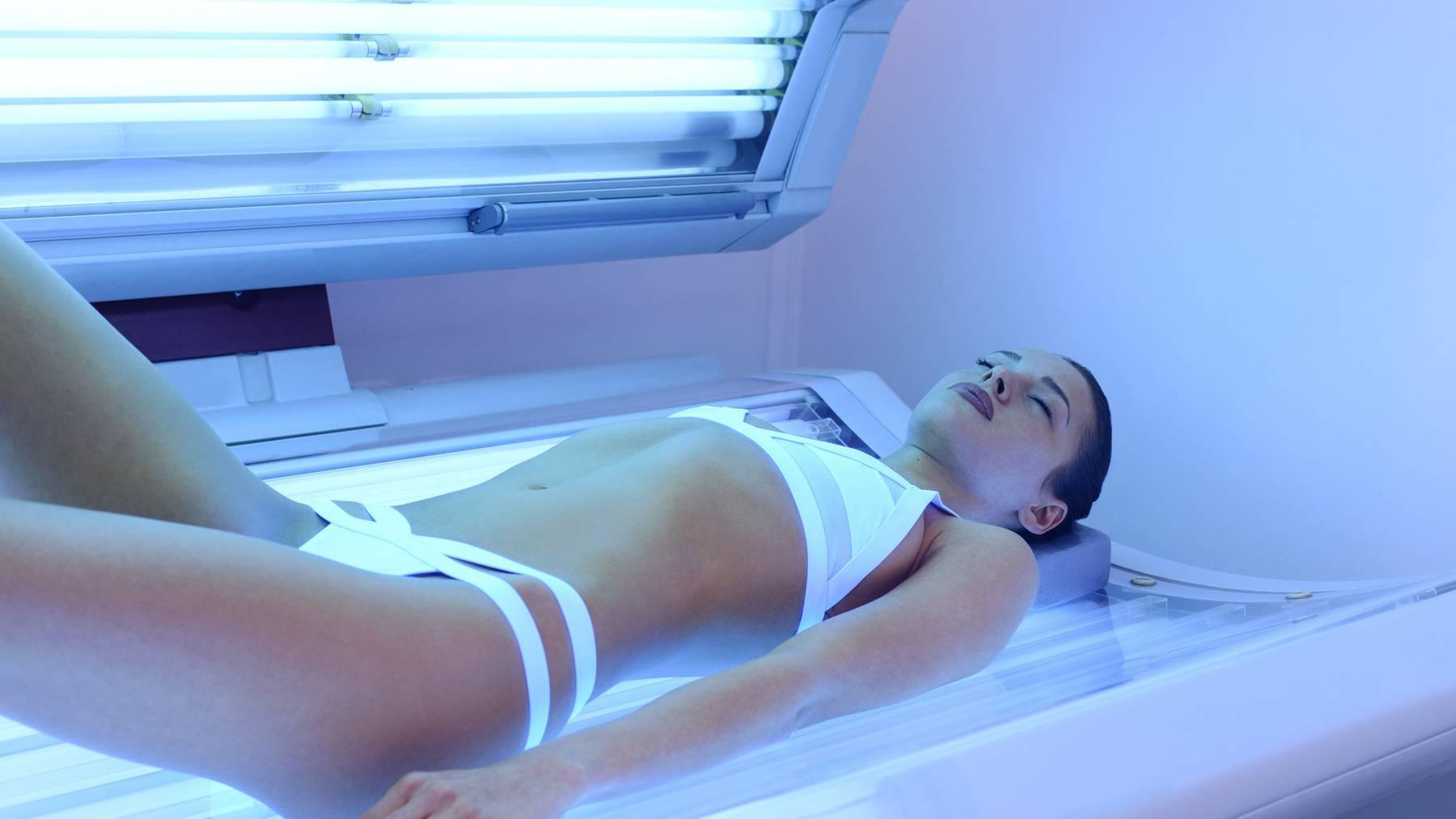 Bräunen im Solarium erhöht das Risiko für Hautkrebs. (Symbolbild)