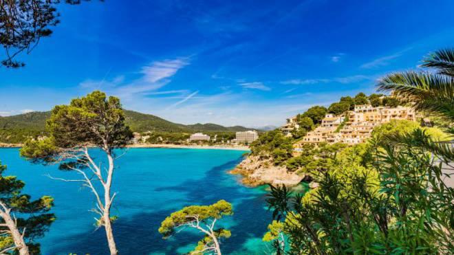 Strategien für die Schweizerische Post erarbeiten bei 25 °C Luft- und 20 °C Wassertemperatur: Ferieninsel Mallorca. Foto: Fotolia