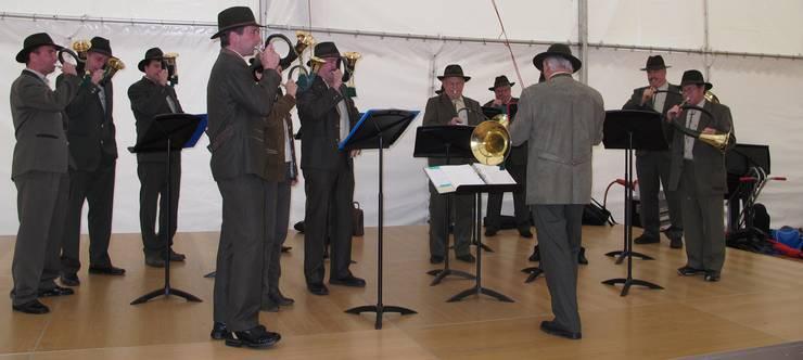 Die Jagdhornbläser beehrten die Austellung mit mehreren Auftritten.