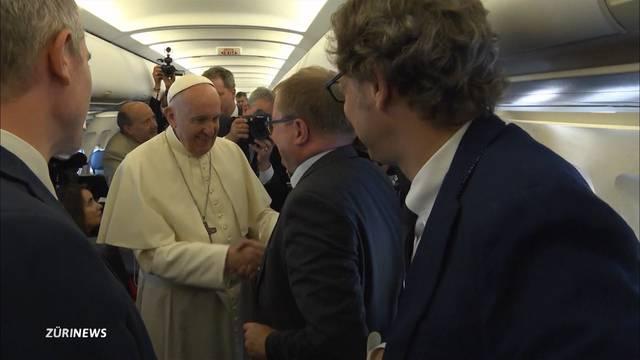 Mit dem Papst höchstpersönlich im Flugzeug